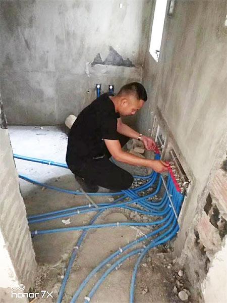格尔木汉庭酒店使用PPR管施工现场-1